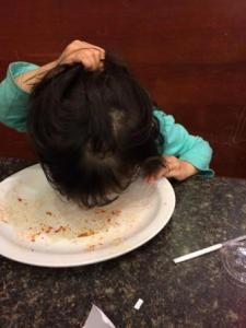 neelah eat plate